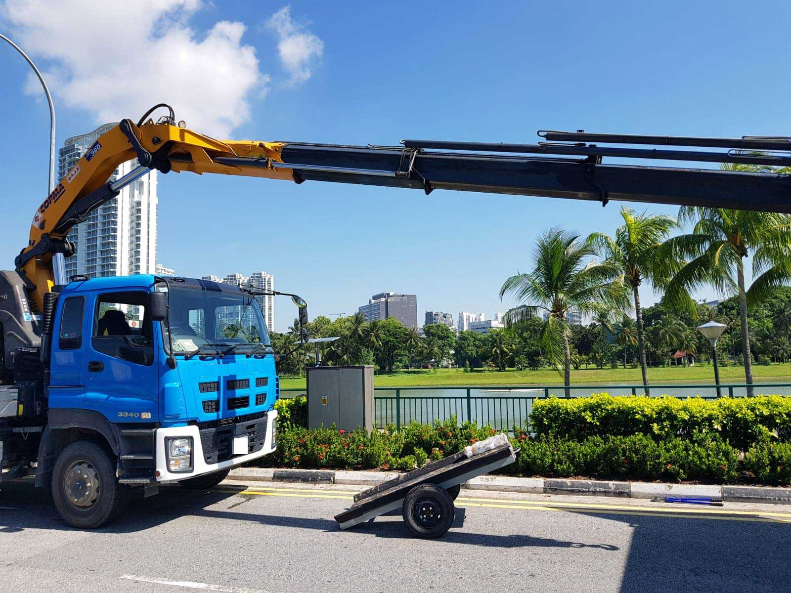 Crane Lorry And Unstuffing